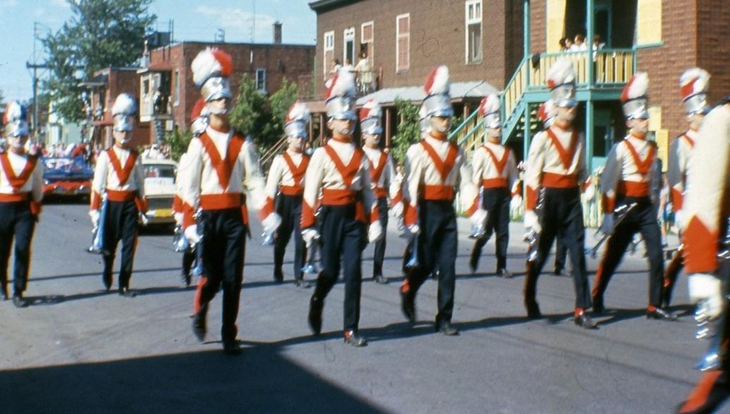 La garde imperiale ville d 39 anjou montreal quebec canada - Piscine interieure anjou montreal lille ...